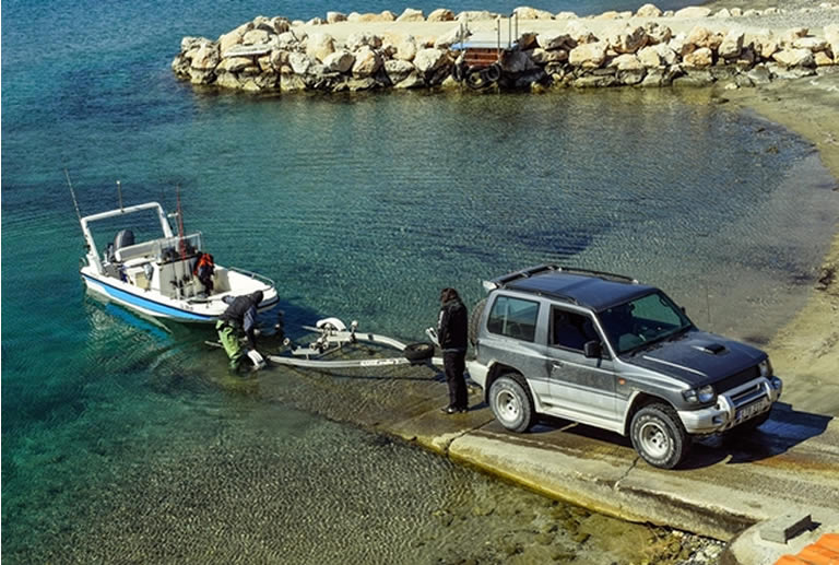 how to load a boat on a trailer